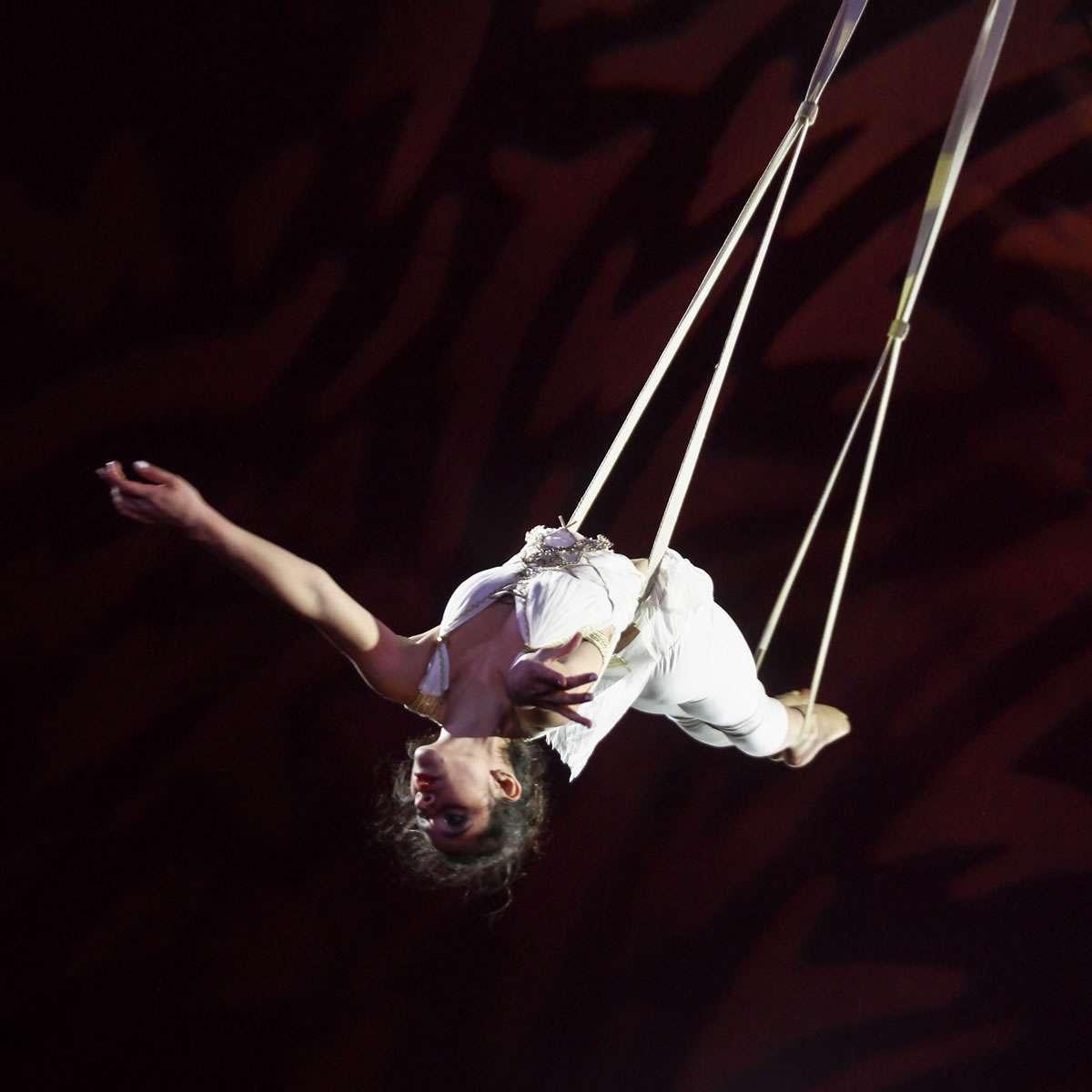 Piccolo Circo dei Sogni - Discipline Aeree - Bianco