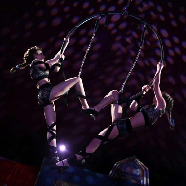Piccolo Circo dei Sogni - Discipline Aeree - LOVE